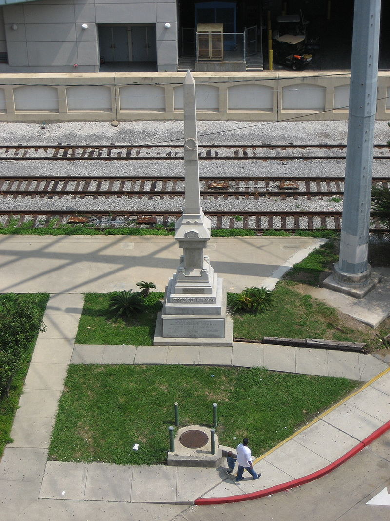 The Battle of Liberty Place monument in 2006, thirteen years after it was relocated to the south end of Iberville Street in New Orleans.